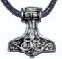 thors-hammer-necklace-1